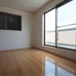 こんなに綺麗なお部屋なら、夏休みの宿題も捗りますね\(◎o◎)/!